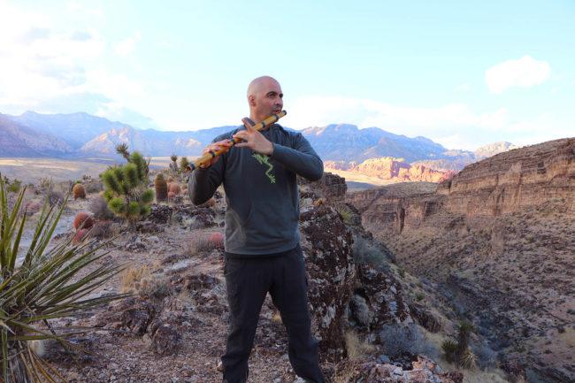USA NV Red Rock Echo Canyon Nevada Bansuri Kerry Kriger